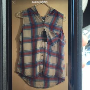 Plaid sleeveless buttoned up with hoodie.